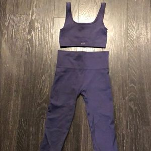 SET Active Blue Bra and Leggings